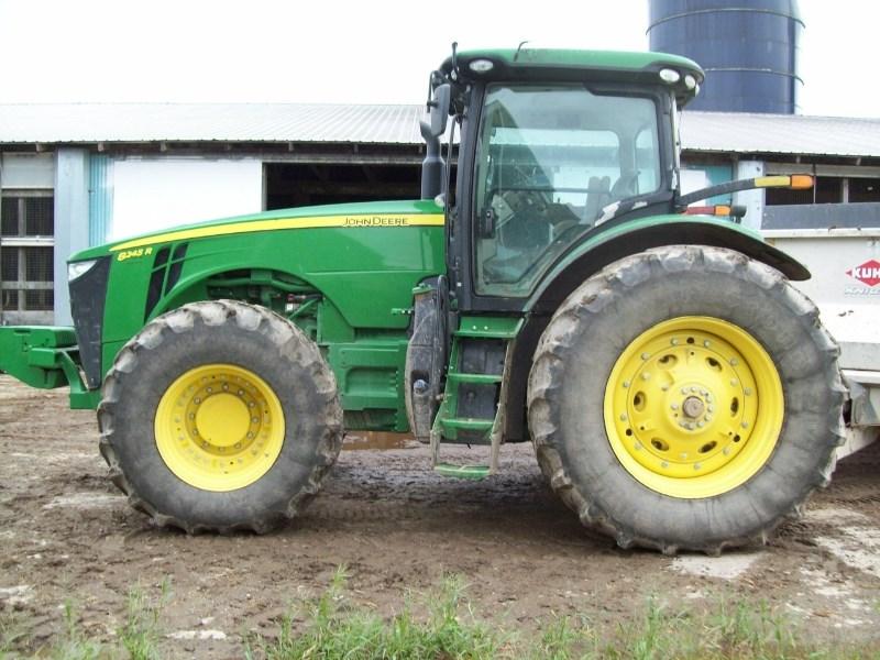 2016 John Deere 8245R Tractor For Sale