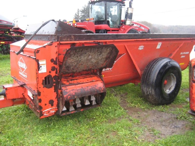 2013 Kuhn Knight 8114 Manure Spreader-Dry For Sale