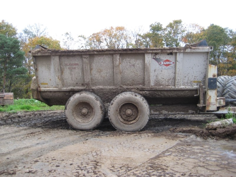 2010 Kuhn Knight 8132 Manure Spreader-Dry For Sale
