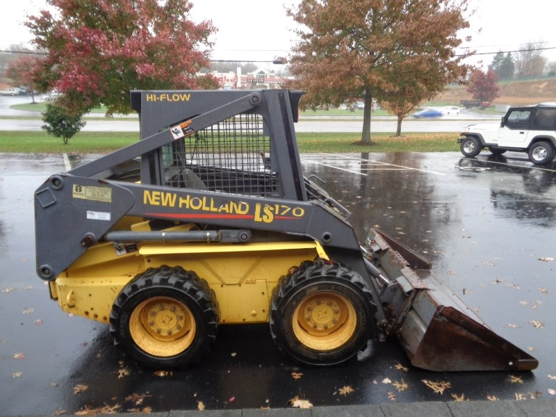 2001 New Holland LS170 Skid Steer For Sale