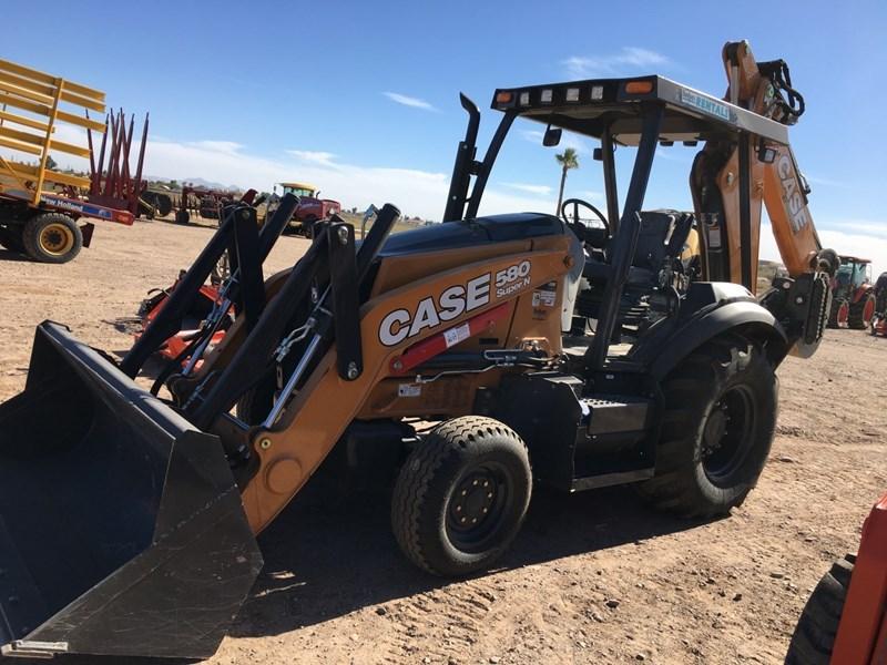 2018 Case 580SN Loader Backhoe