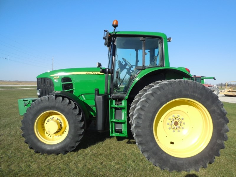 2007 John Deere 7430 Tractor For Sale