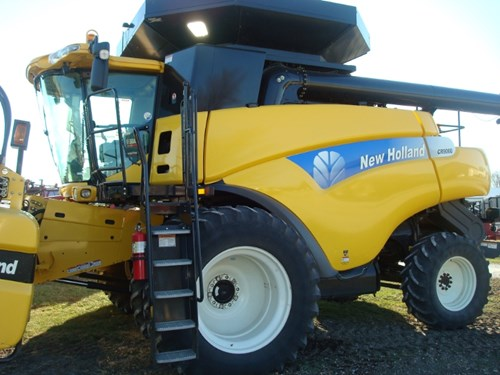 Combine For Sale:  2008 New Holland 9060