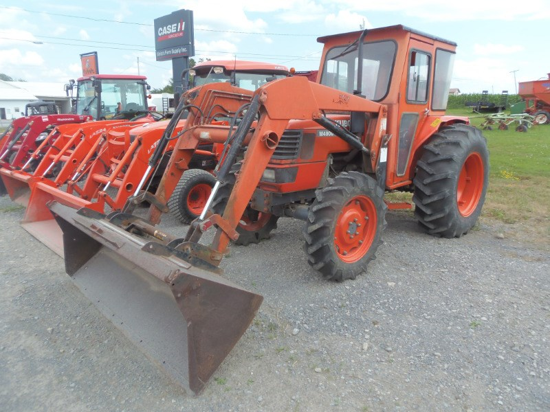 2001 Kubota M4900 Tractor For Sale