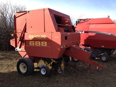 Baler-Round For Sale 2000 New Holland 688