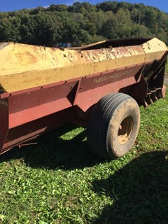 Manure Spreader-Dry/Pull Type For Sale 1997 New Holland 305