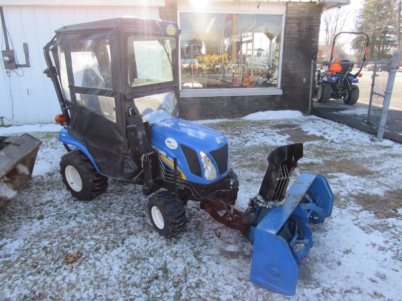 New Holland Boomer 1025 Tractor For Sale