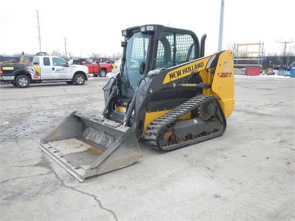 2018 New Holland C227 Skid Steer-Track