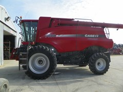 Combine For Sale 2010 Case IH 7088 , 325 HP