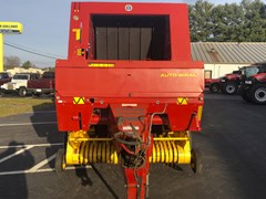 Baler-Round For Sale 2001 New Holland 658