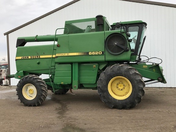 1985 John Deere 6620 Combine For Sale