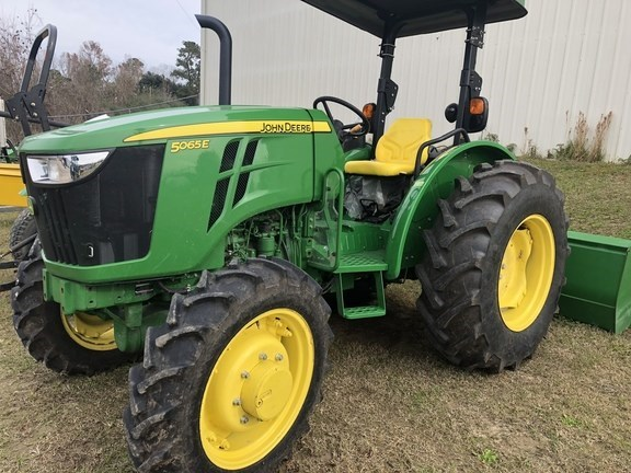 2017 John Deere 5065E Tractor For Sale