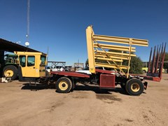 Bale Wagon-Self Propelled For Sale:  2005 New Holland BW28