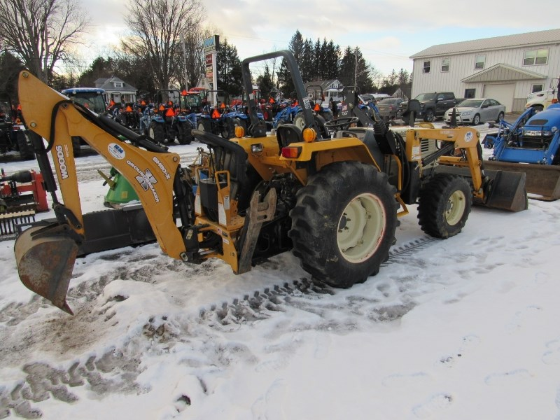 2005 Cub Cadet 8454SS Tractor For Sale