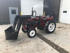 Tractor For Sale 1980 International 284 , 34 HP