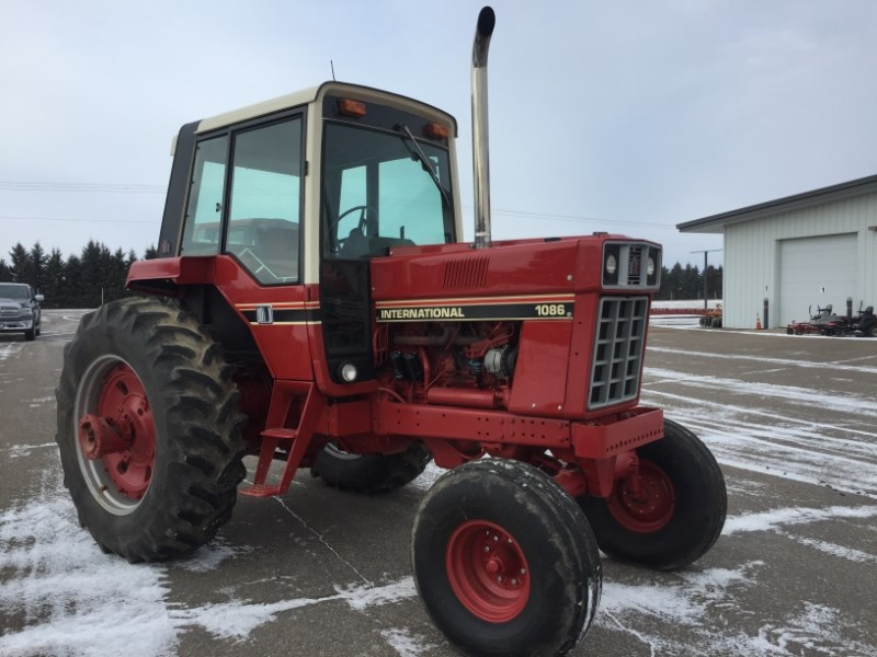 1980 International 1086 Tractor For Sale