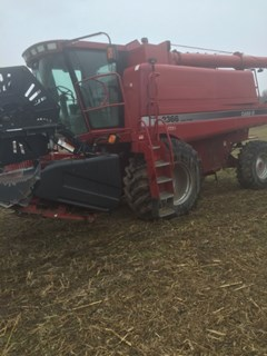 Combine For Sale 2001 Case IH 2366