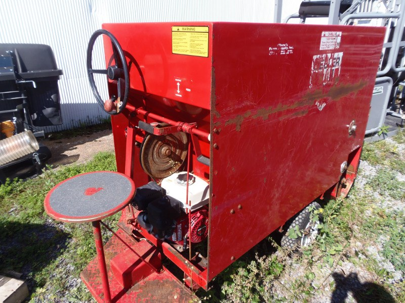 2011 Gruetts 810 Feed Cart For Sale