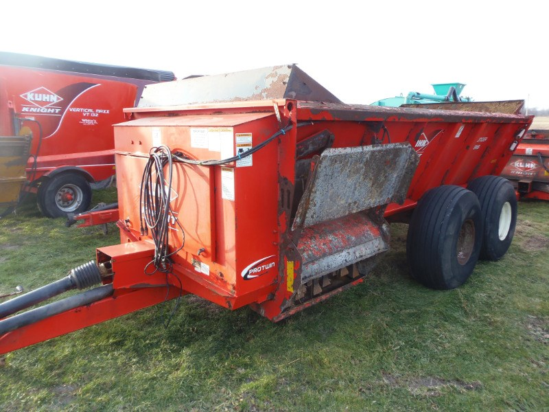2014 Kuhn Knight 8118 Manure Spreader-Dry For Sale