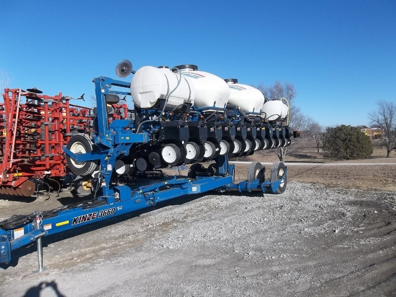 2011 Kinze 3660-12/23RN Planter For Sale