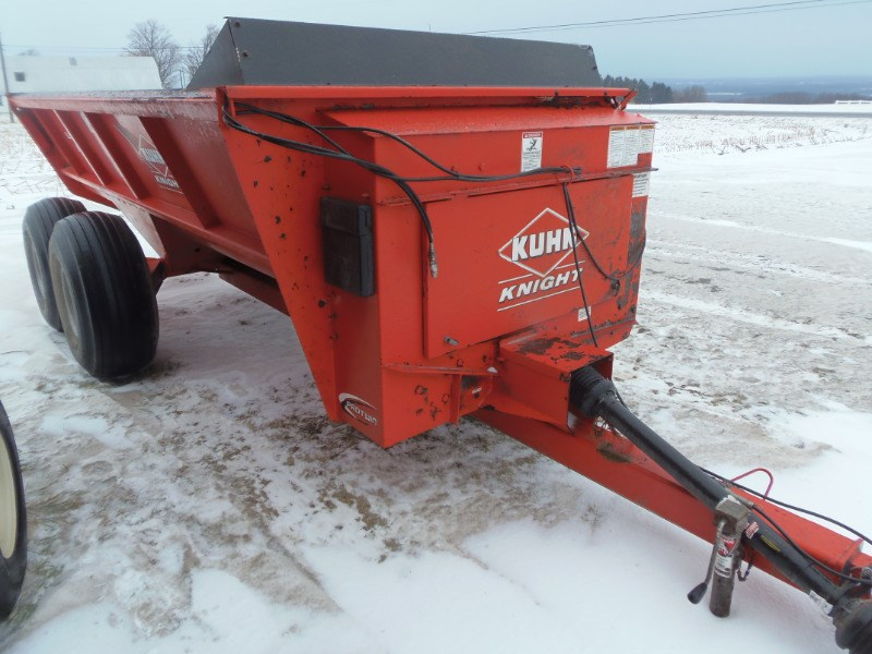 2015 Knight 8118 Manure Spreader-Dry For Sale