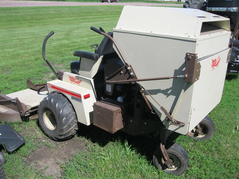 "1994 Grasshopper 725 Liq Cooled Gas w/61"" SD Deck Zero Turn Mower For Sale"