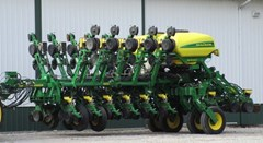 Planter For Sale 2015 John Deere 1795