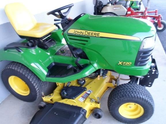 2011 John Deere X720 Riding Mower For Sale