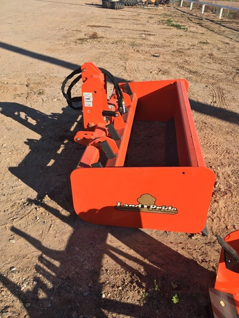 Land Pride HR2572 Scraper-Pull Type