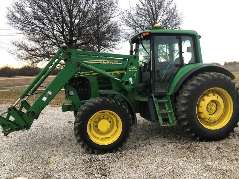 2007 John Deere 7320 Tractor For Sale