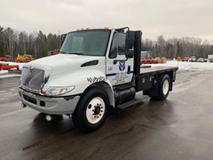 Misc. Ag For Sale:  2004 IH 4300 STAK