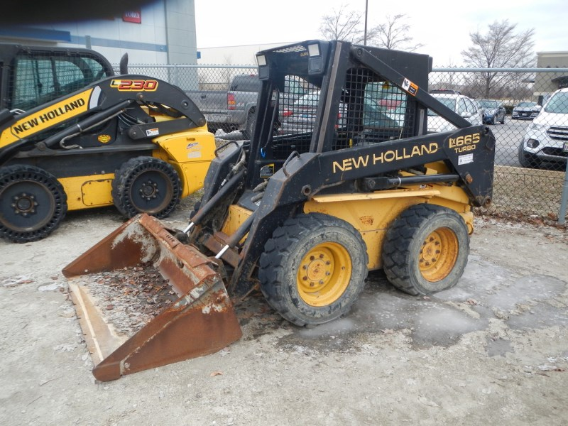 1997 New Holland LX885 Skid Steer For Sale