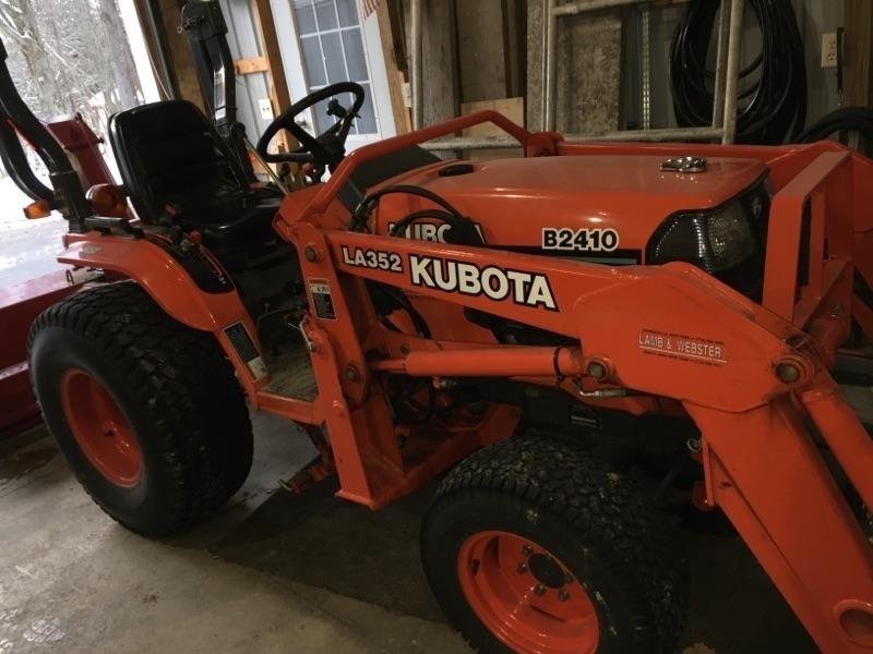 2002 Kubota B2410HSD Tractor For Sale