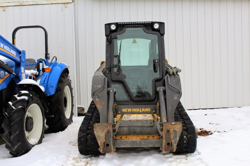 2011 New Holland C227 Skid Steer For Sale