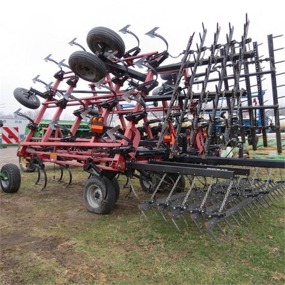 Case IH 200 Field Cultivator For Sale