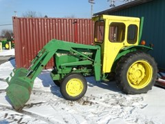 Tractor For Sale 1981 John Deere 1050 , 37 HP