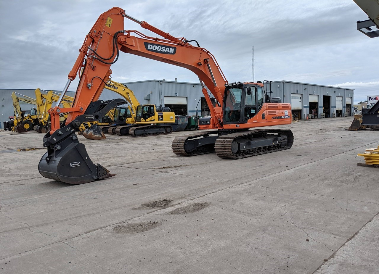 2016 Doosan DX300LC-3 Excavator For Sale