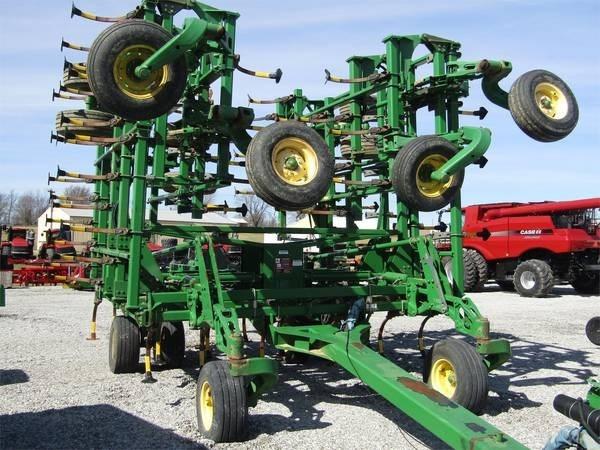 John Deere 2210 Field Cultivator For Sale