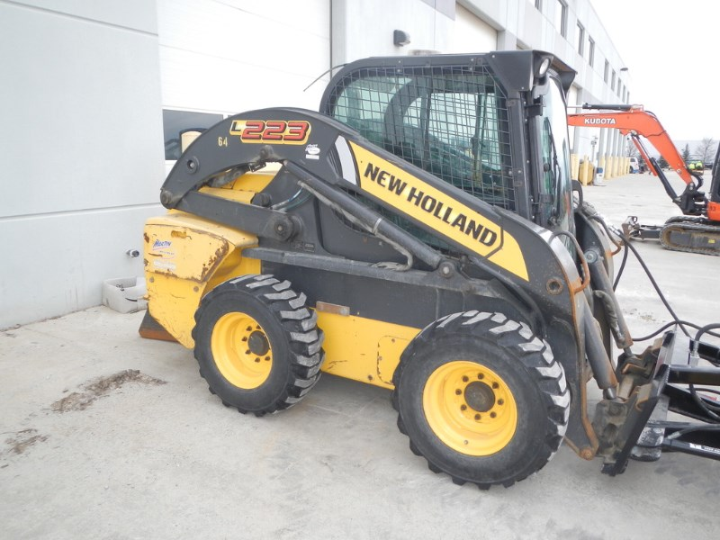 2011 New Holland L223 Skid Steer For Sale