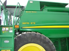 Combine For Sale 2009 John Deere 9870