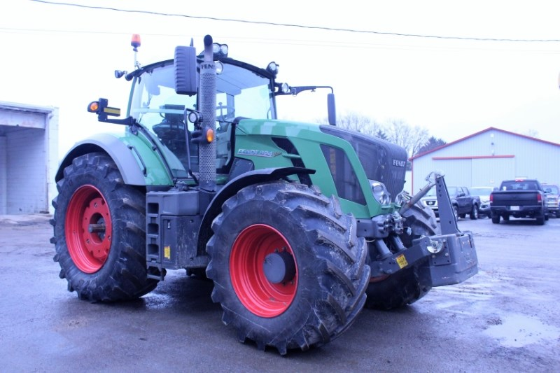 2013 Fendt 824 VARIO TMS Tractor For Sale