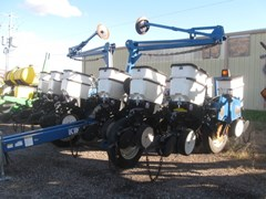 Planter For Sale 2002 Kinze 3200