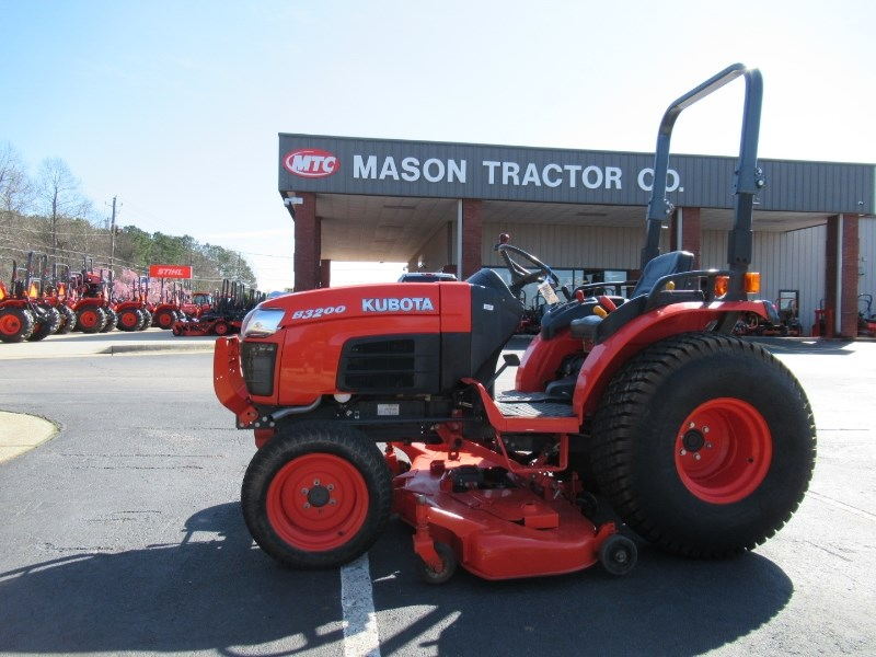 2013 Kubota B3200HSD Tractor For Sale