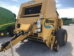 Baler-Round For Sale 2007 Vermeer 605M