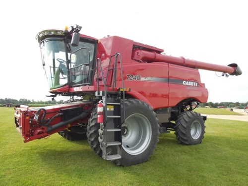 Combine For Sale:  2015 Case IH 7240