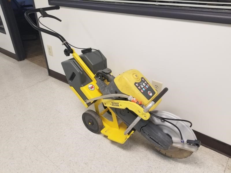 2016 Wacker BTS635, Wheel Mounted for Safety/Fatigue Reduction Cut-Off Saw a la venta