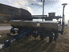 Planter For Sale 2002 Kinze 3000