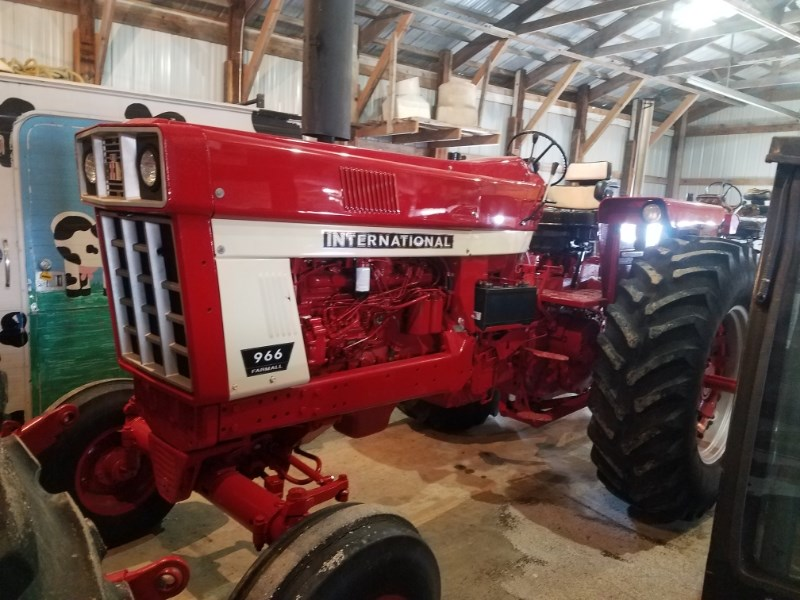 1973 International 966 Tractor For Sale