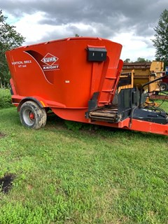 Feeder Wagon-Power For Sale Kuhn VT144