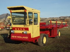 Bale Wagon-Self Propelled For Sale 1982 New Holland 8500